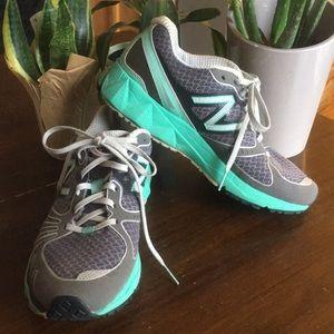 New Balance Barringer 890 running shoes